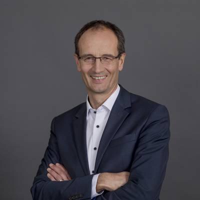 Peter Loßkarn, MRICS